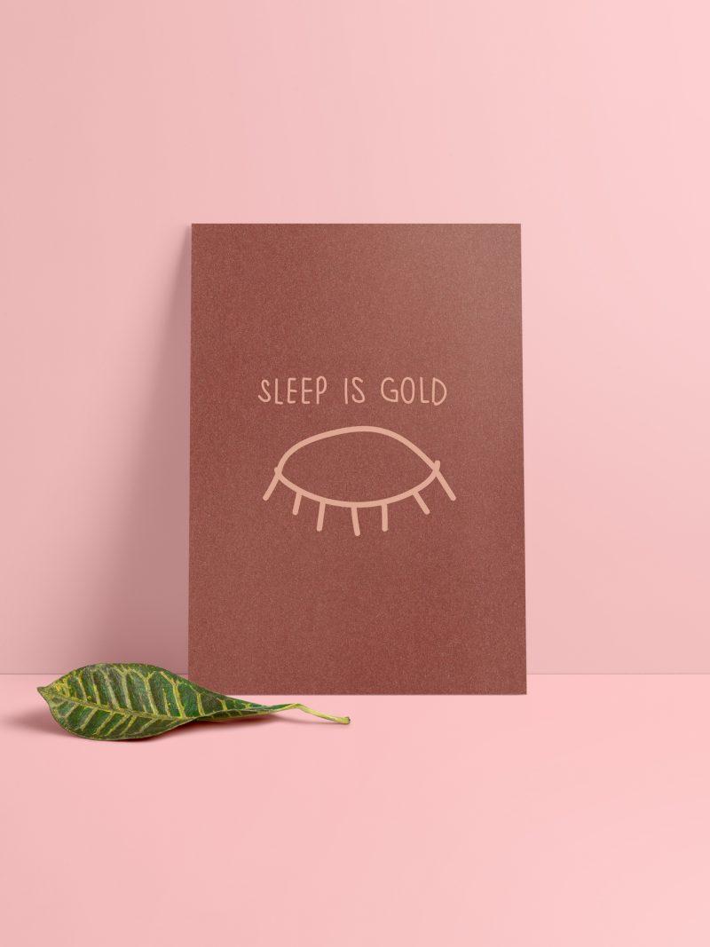 Sleep is Gold Karte Vorderseite. Schimmerndes Metallic Papier in Kupfer.