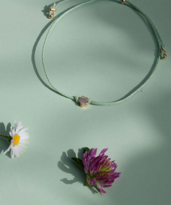 Flora Blumen Armband von Klunkar. Geschenk zum Muttertag und Frühling.