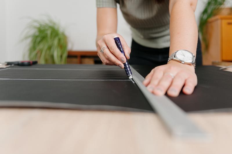 Indivisew zeichnet ganz exakt alle Schnittmuster auf beim Anfertigen ihrer Sachen.