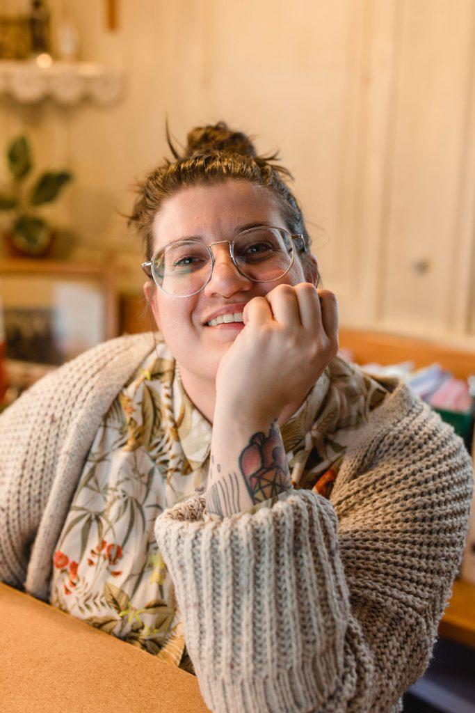 Simone Angerer, die Geschichte von einer die kam, sah und Community baut. Foto von Nina Bröll.