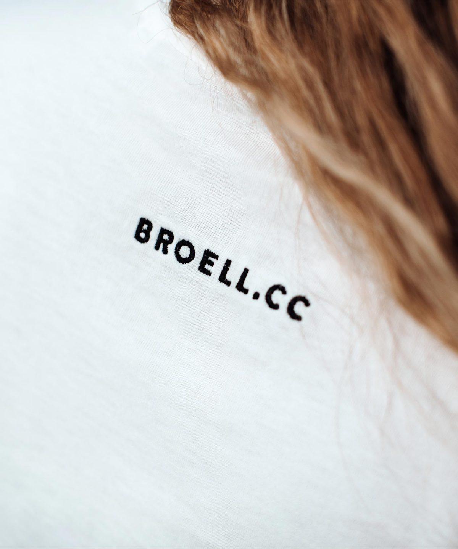 T-Shirt in weiß von Fotografin Nina Bröll.